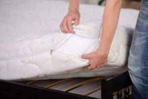 Doradzamy jak wybrać najlepszą tkaninę materacową